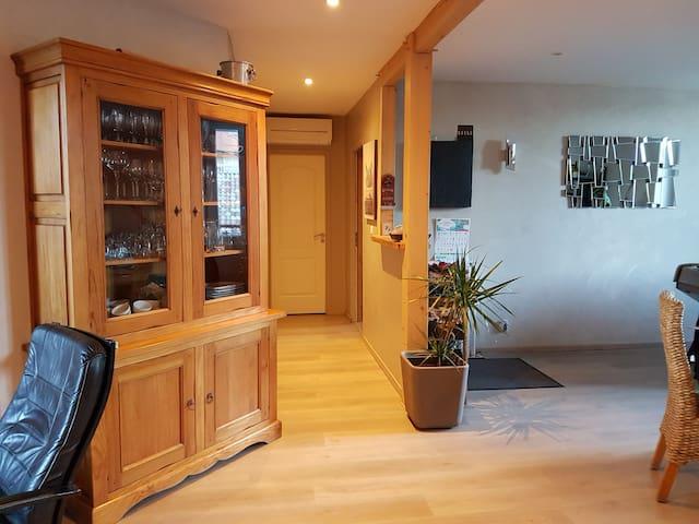 Maison avec Jacuzzi et sauna. - Laragne-Montéglin - Rumah bandar