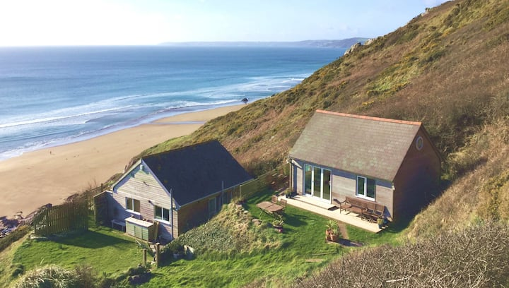Cliffside Cabin, Whitsand Bay