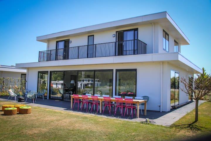 Design villa 10-12p Harderwijk, steiger/kano/sauna