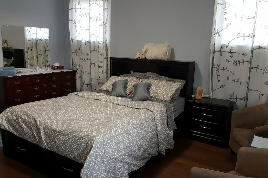 Comfy, spacious and luxurious bedroom
