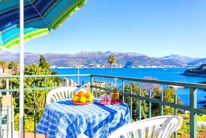Attick One Bedroom Apartment & terrace & sea views - Dubrovnik - Ev