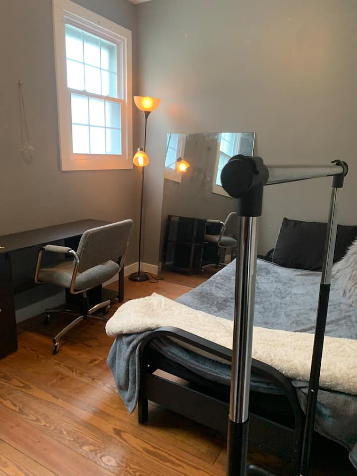 Private Room in Renovated Apartment