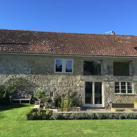 Stunning loft apartment - Tisbury - House