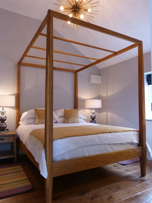 Bedroom with Four Poster Bed