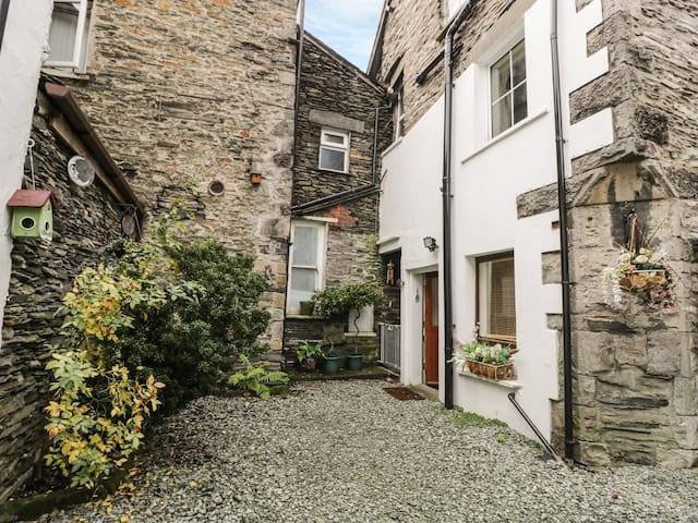 GRANARY NOOK, pet friendly in Bowness-On-Windermere, Ref 972388