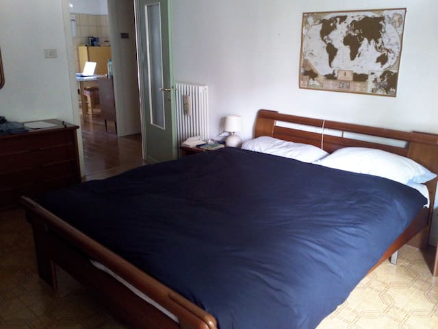Double room 2km from city center - Parma