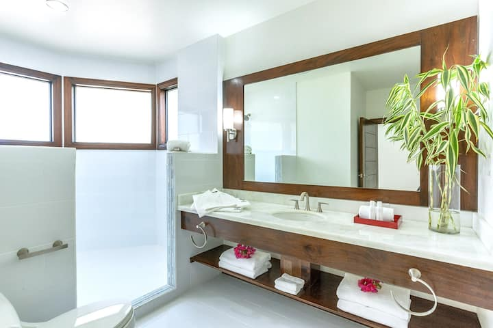 1-Bedroom Beach Suite at The Ellysian