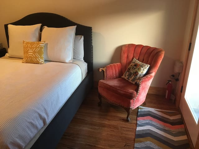 Private Suite on Southside - Chattanooga - Appartement