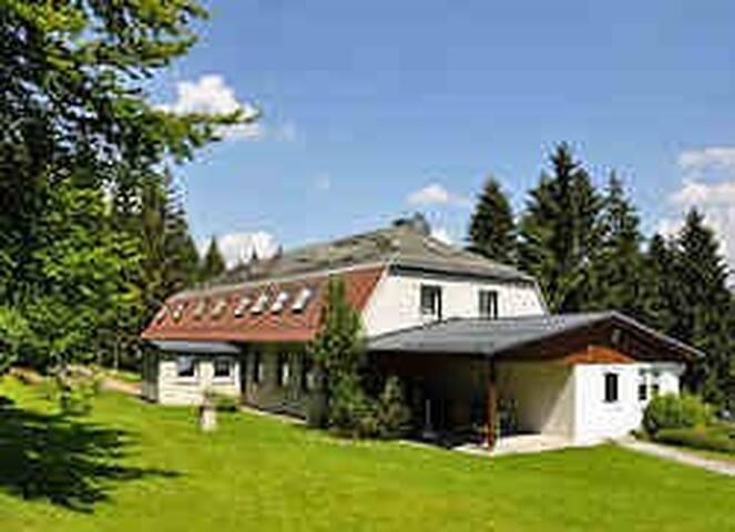 Ferienhaus Vier Jahreszeiten - Frauenwald - Apartment