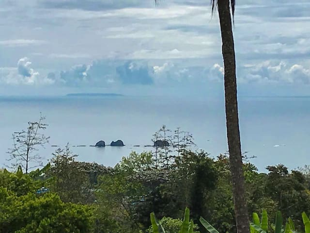 Cano Island on the horizon, Tres Hermanas in the foreground