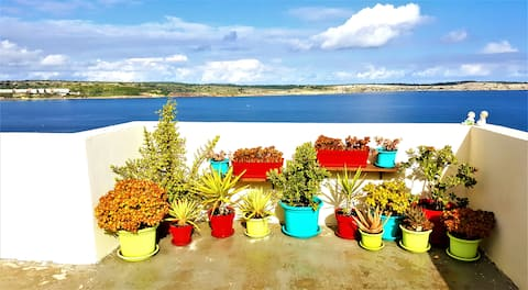 Cosy single room /PH stunning view of Mellieha Bay