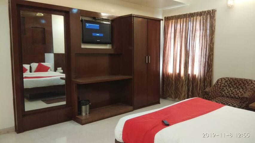 iROOMZ Hotel Abhiram Suit Room Nellore