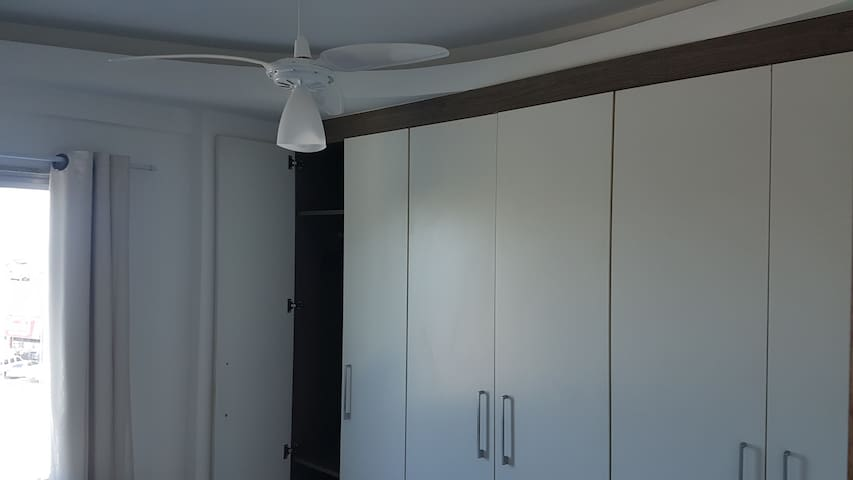Quarto 3 com ventilador teto