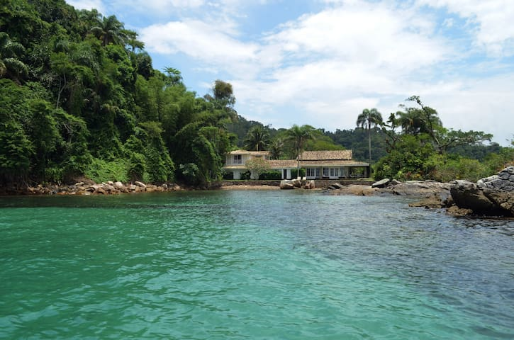Casa de luxo com praia particular