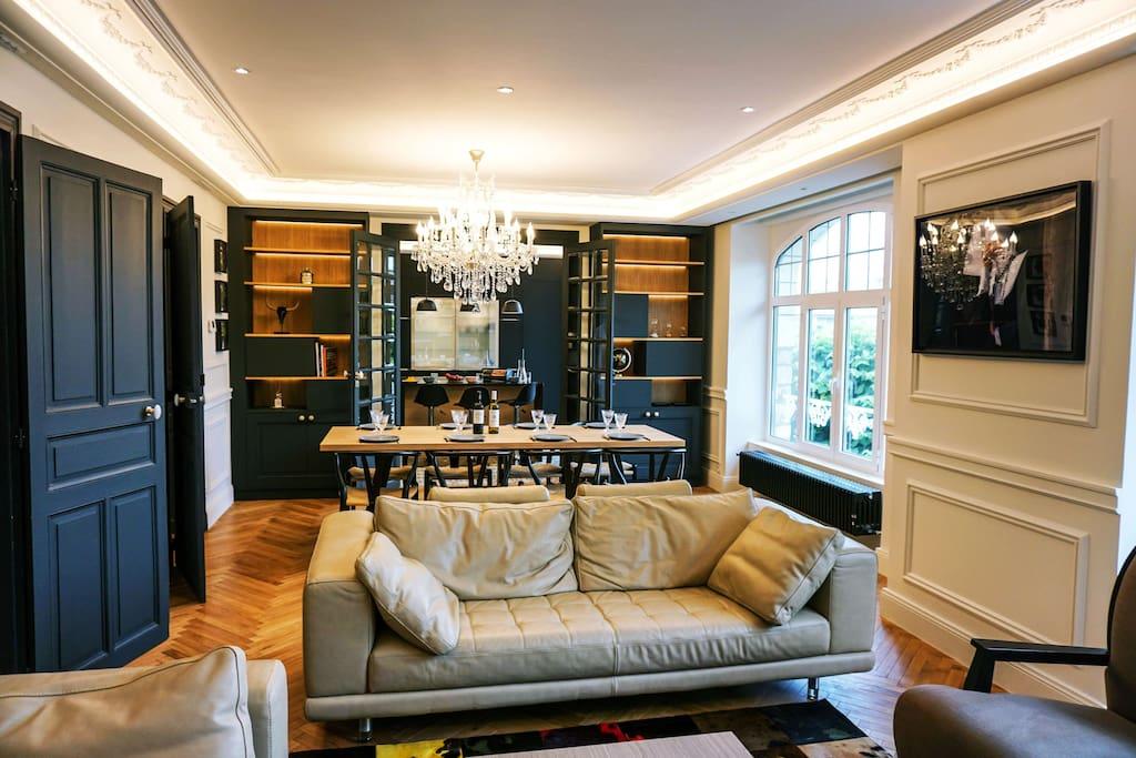 Le salon, salle à manger, cuisine // the living room, dining room, kitchen