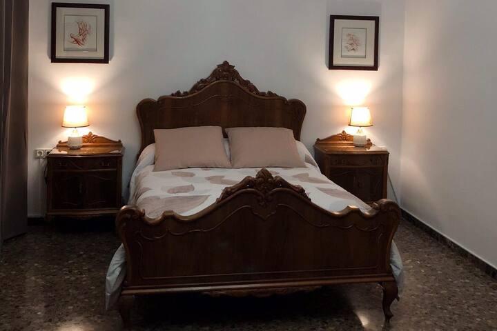 Habitación 2-4 personas en casa de Huéspedes Altea