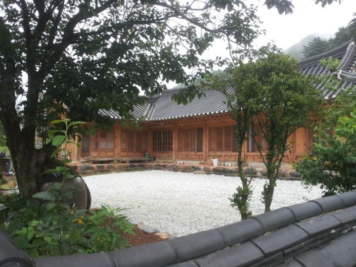 조상의 지혜를 품은 강릉한옥스테이(친환경황토주택)