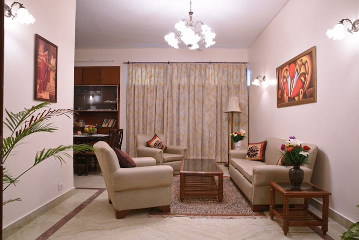 Enbliss: Apartment in a Bungalow in South Delhi
