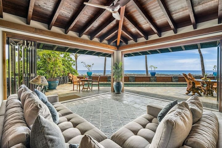KBE Lucky 42 4bd, pool, AC, Direct Ocean Front