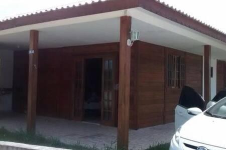 Excelente casa na praia de Itapoa - SC - Itapoá - Hus