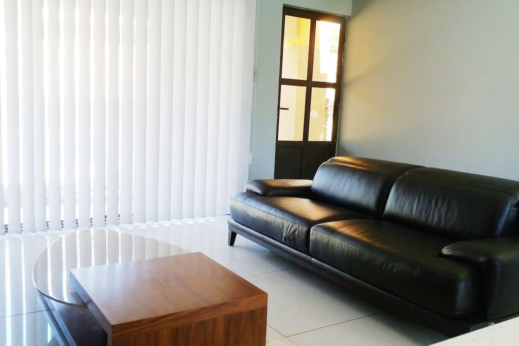 Modern style sitting room/lounge.