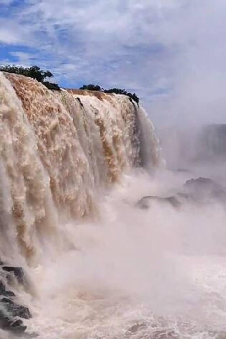 Casa em foz do Iguaçu a 5 minutos do Paraguay