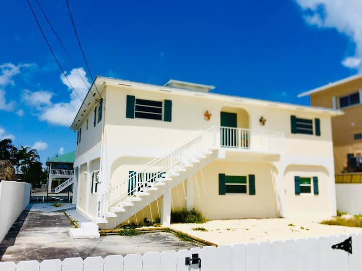 Gorgeous 3/2 on Summerland Key with great boating