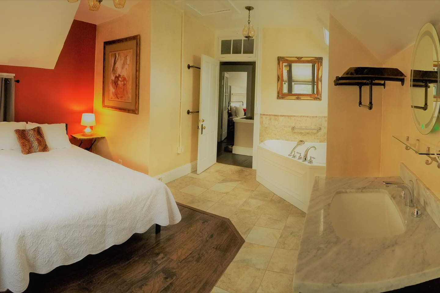 (click to view) Panorama of Carmine Room