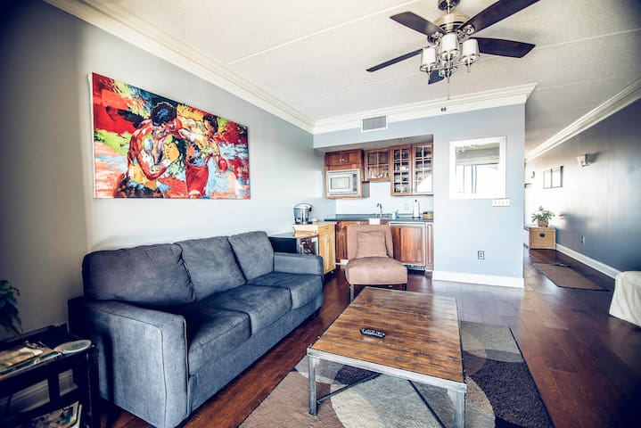 Water St. Retreat 9 *1st listing in ILM on AIRBNB*