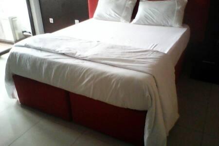 Private Luxury En-Suite Room - Eti-Osa - Casa a schiera