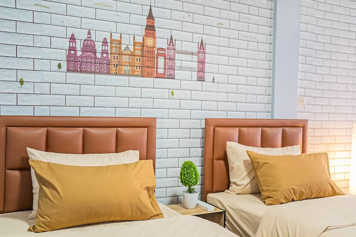 3BR for 10P 3 min BTS sky train Sukhumvit Bangkok