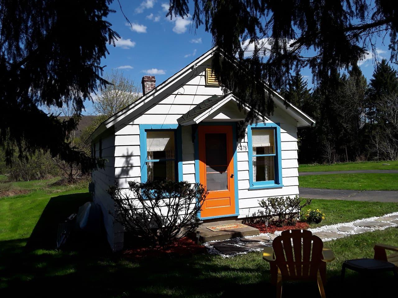 Vintage Cuba Lake Duck House Cabin 2-3 Guests
