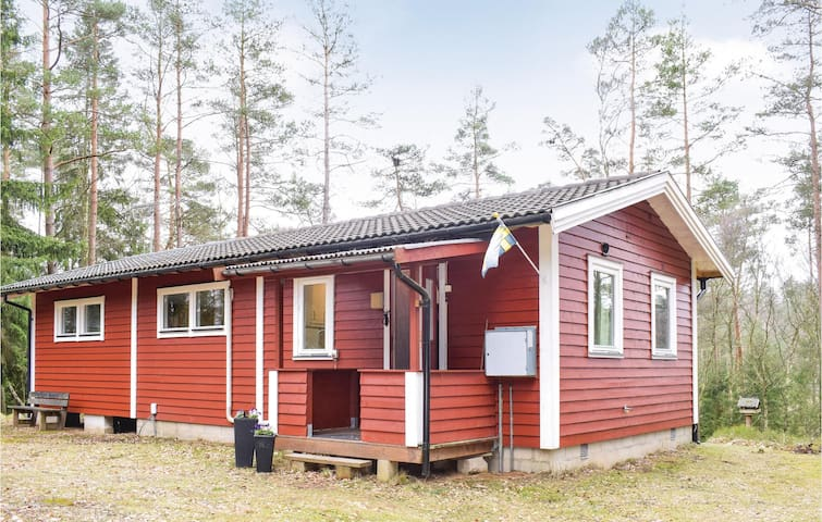 Holiday cottage with 2 bedrooms on 81m² in Knäred