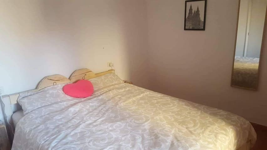 Chambre dans appartement Peralada