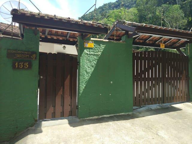 Casa Caraguatatuba (Temporada e finais de semana)