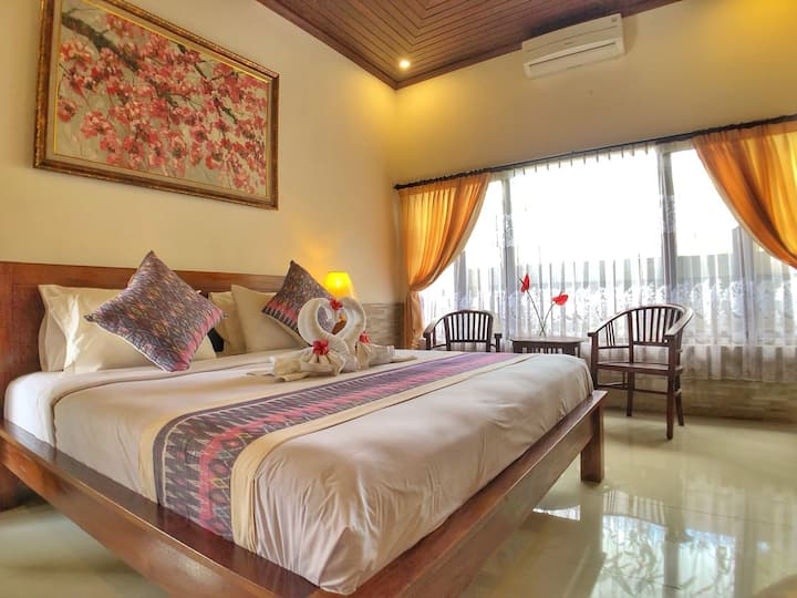 Spacious private room easy access to Ubud Town