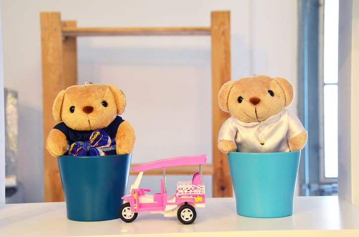 Tuk Tuk and bear~Welcome you all to Thailand :)