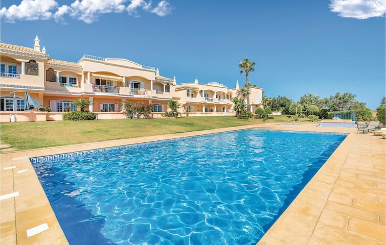 Holiday apartment with 2 bedrooms on 180m² in Lagoa