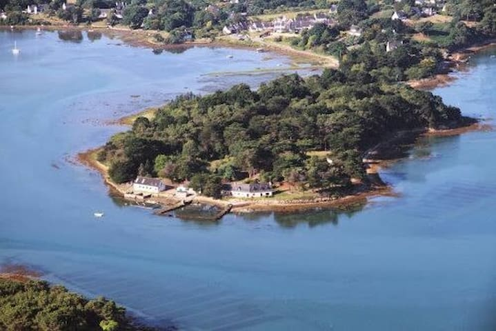 Maison au bord du golfe du Morbihan. :  Brehuidic - Sarzeau - Ev