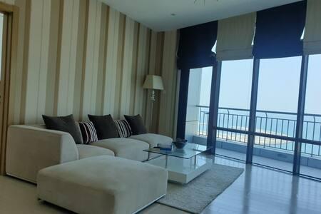 Fully furnished modern apt for rent