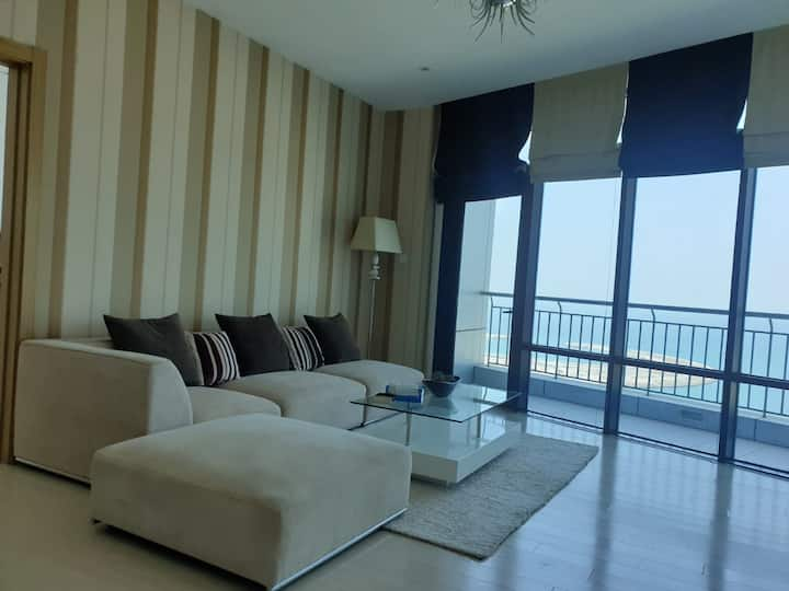Fully furnished modern apt for rent
