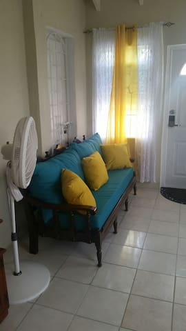 Spacious Colonial 1BD WD Wifi