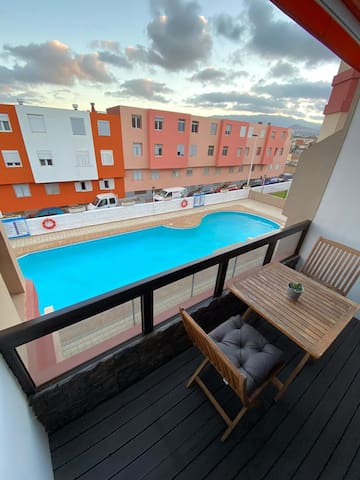 Lujoso apartamento con piscina a pie de playa