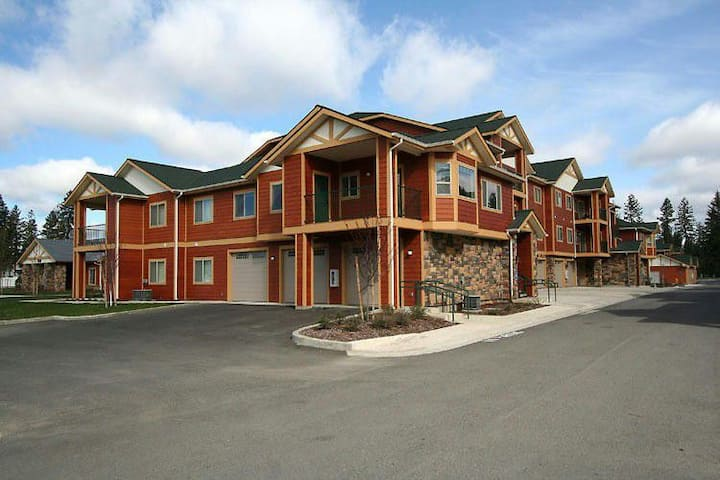 #2 Beautiful, Modern Condo Coeur d'Alene