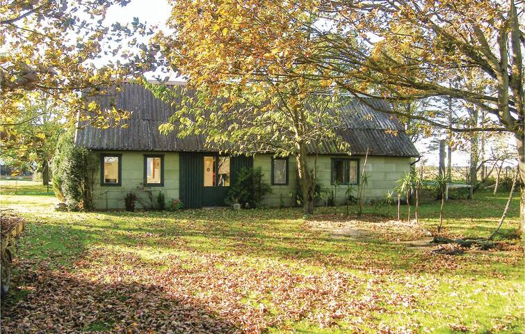 Holiday cottage with 2 bedrooms on 60 m² in Dösjebro