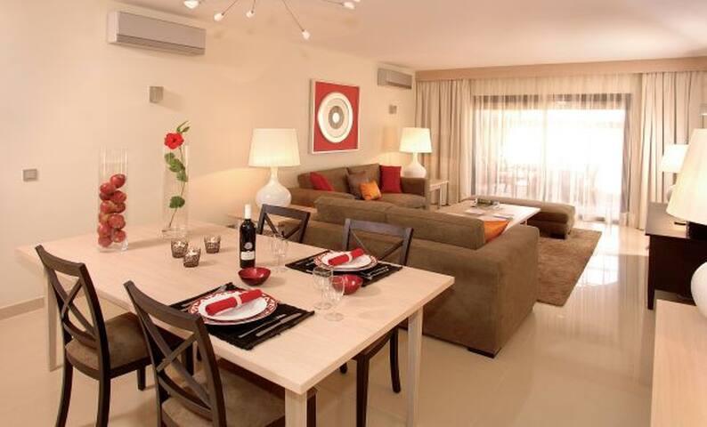 Lewa Yellow Apartment, Amendoeira Golf, Algarve - Armação de Pêra - Apartment