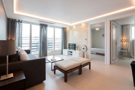 New Spacious 3bed/2bath Condo in Dongdaemoon - 종로구