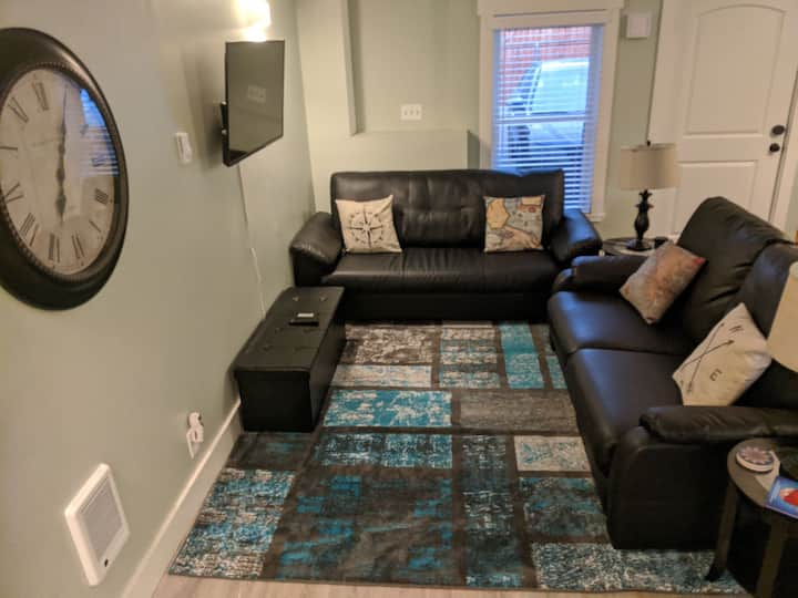 New Private Basement Apartment Close to Everything