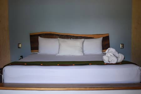 King size room downtown Tulum - Tulum - Bed & Breakfast