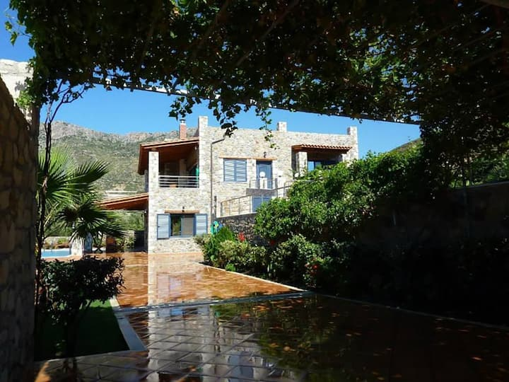 Kambos Paradise Villa